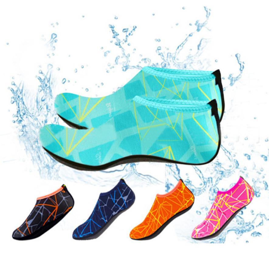 Mujer hombres descalzos piel calcetín rayas zapatos playa el agua de la piscina calcetines gimnasio Aqua playa zapatilla en Surf Aqua zapatos 0725