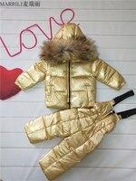 Зимние Детские комплекты одежды для девочек, теплая пуховая куртка с капюшоном золотистого цвета, пальто + брюки, непромокаемый зимний комб