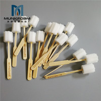 100pcs Osable Sponge Stick Medical Care Stick Nursing Sponge Stick Nursing Sponge Stick Bamboo Sponge Swabstick