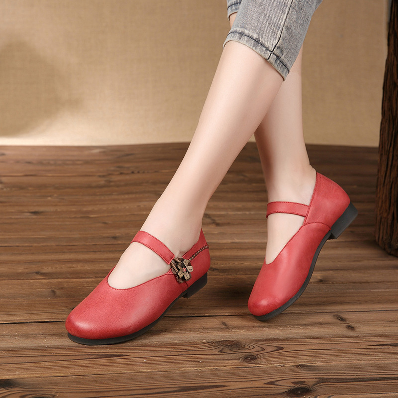 Retro Style Mother Shoes Genuine Leather Handmade Ladies Red Vintage Flower Button Shoes Low Heel Round