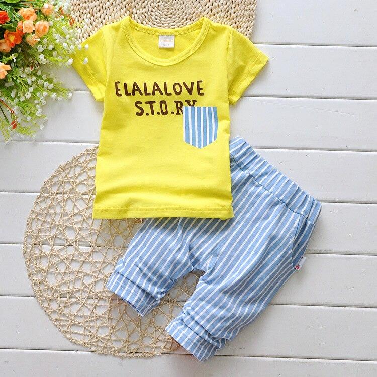 С принтом букв для маленьких мальчиков одежда Лето 2017 г. Детская стильная одежда для мальчиков Комплект одежды для маленьких мальчиков Футболка + брюки 0-3 лет t533