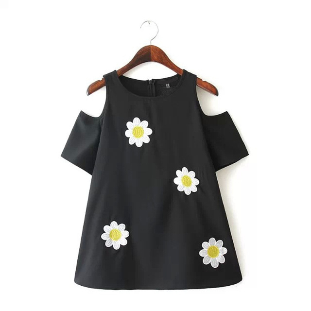2017 New Arrival Cute Womens T Shirt Sunflower Embroidery Strapless Short Sleeves Black Top Tees