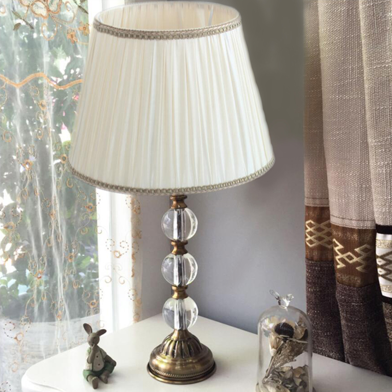 Modern creative luxury crystal table lamp bedside bedroom art living room simple decorative table lamp fumat stained glass table lamp high quality goddess lamp art collect creative home docor table lamp living room light fixtures