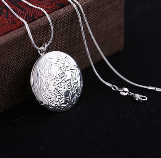 Vintage Silver Color Round Medallion Photo Locket Pendant Necklace Frame Photo Suspension With Snake Chain For Women Lover Gift