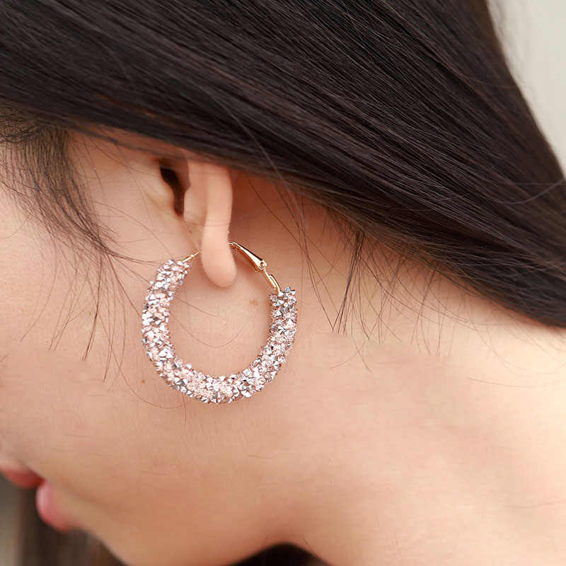 2018 Minimaslist Design Big Hoop Earrings For Women Crystal Blue Red Geometric Round  Circle Earings Party Jewelry Female Bijoux