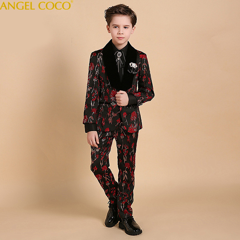 купить High Quality Spring Autumn Boys Blazer Gentlemen Lapel Into Boys Suits For Weddings Kids Wedding Blazer Suit Brand Tuxedos 2018 по цене 10281.22 рублей