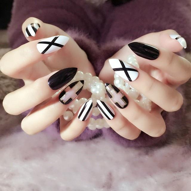 Online Shop Classic Black White Stripe False Nails Long Sharp Head ...