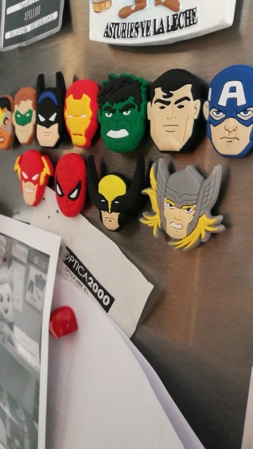 1000pcs Cartoon PVC Magnetic Stickers Avenger Hero Justice League Game of Thrones Blackboard Fridge Magnets Kids Gift in Stationery Stickers from Office School Supplies
