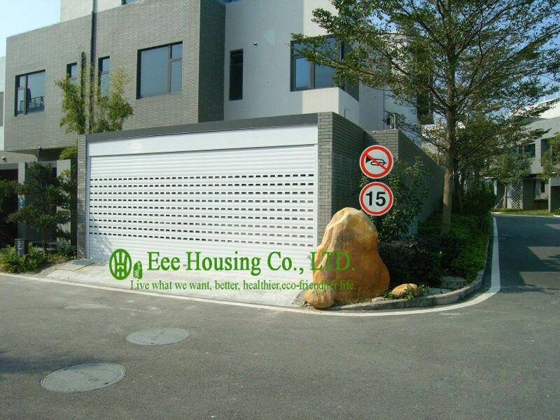White Color Remote Control Galvanized Steel Garage Door With Sandwich Panel Panel, Garage Door Factory In China