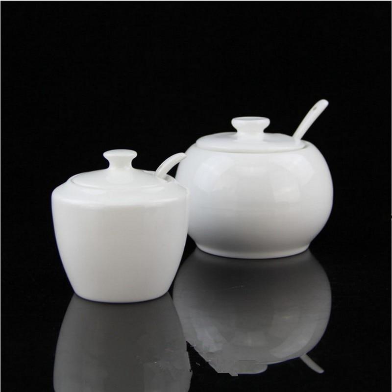 New Arrrival Seasoning Pot White Ceramic Sugar Bowl with ceramic Cover Ceramic Spoon Spice Jar Elegant