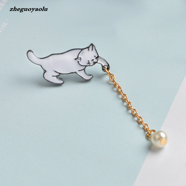 Creative Cute Little White Pearl Cat Brooch Pins Chic Fashion Jewelry Bijoux Brooch Women Best Gift Wholesale Pins And Brooches