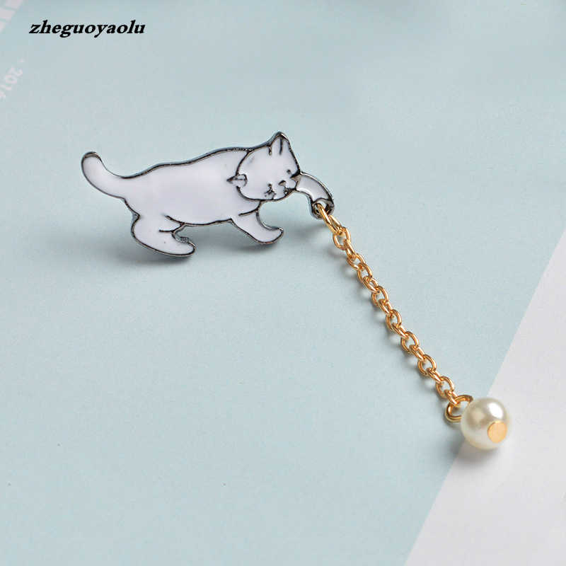Kreatif Kecil yang Lucu Chic Putih Mutiara Kucing Bros Pins Fashion Jewelry Bijoux Bros Pins Dan Bros Wanita Hadiah Terbaik Grosir