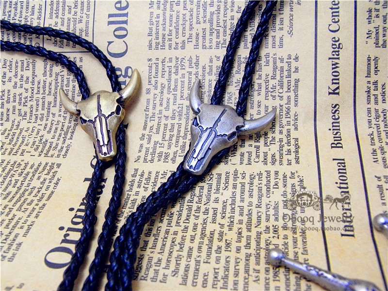 Adjustable Cow Head West Cowboy Tie Enclosure Dance Bolo Tie Artificial Leather Pendant