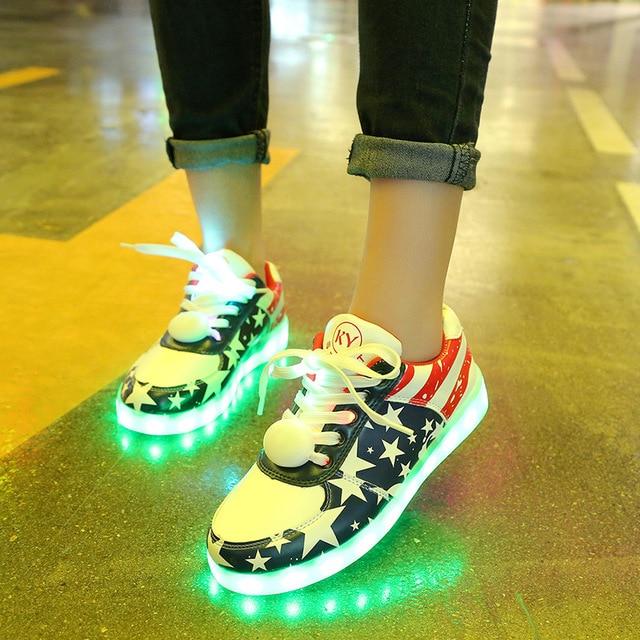 למבוגרים וילדים 11 מצב LED אור נעלי USB טעינת זוהר Sneaker נשים זוהר נעלי סל ילד ילדה הנעלה עם שרוכי LED