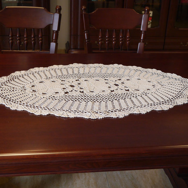 Gentil Crocheted Oval Round Table Cloth / Handmade Hook Flowers Cotton Hollow Lace  / Many Uses Mats
