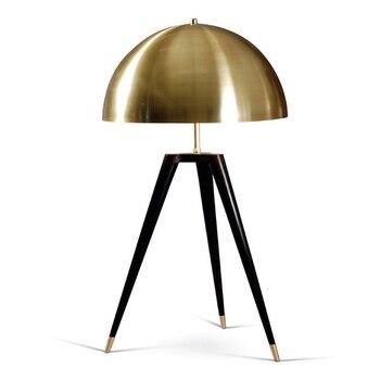 Bronz masa lambaları yatak odası için İtalyan tasarımcı lambaları çoğaltma lamba tripod masa ışığı moda aydınlatma ark lambası