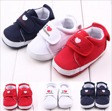 2015 Fashion Heart-shaped Lovely Baby Shoes Toddler Boys Girls Soft Bottom Footwear Newborn Baby Sport Shoes First Walkers