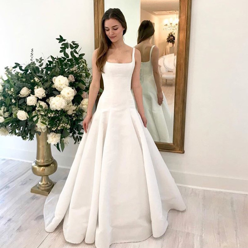 2019 New Arrival Sheath Wedding Dress Square Collar Sexy Bridal Gown Backless With Sweep Train Vestido De Noiva Simple