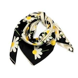 Image 4 - Papatya çiçek baskılı kare ipek eşarp kadınlar için 90*90% 100% İpek dimi eşarp Bandana başörtüsü kadın eşarp ve sarar şal el haddelenmiş