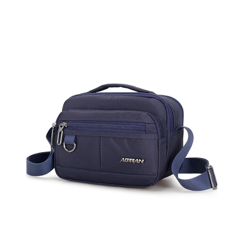 2018 mode Portable femme sac rivet sac mode européenne et américaine femme PU épaule Messenger sac-in Sacs à poignées supérieures from Baggages et sacs    1