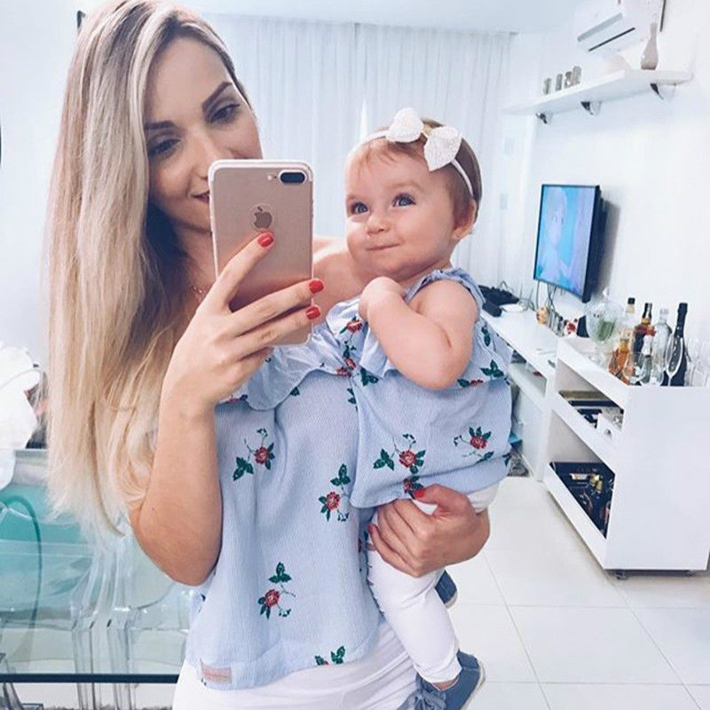 adsfay.com Mother-and-Daughter-Family-Match-Clothes-Off-shoulder-Striped-Floral-Tops-Hole-Pant-Legging-2PCS-Clothing.jpg