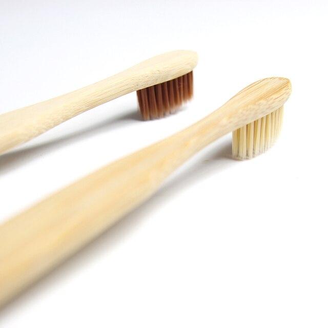 Cepillo de dientes de bambú Natural para adultos de 2 piezas, rascador de lengua de madera, cepillo de dientes de viaje, Brislte suave de 4 colores