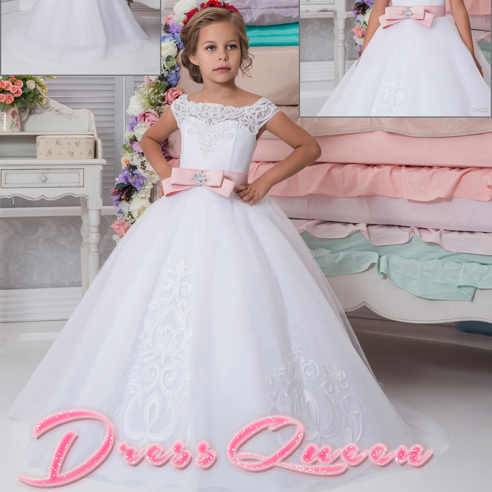 2017 New Flower Girl Dress For Weddings Pink Belt Scoop Cap Sleeves Beading Appliques Button Ball Gown Communion Gowns Vestidos2017 New Flower Girl Dress For Weddings Pink Belt Scoop Cap Sleeves Beading Appliques Button Ball Gown Communion Gowns Vestidos