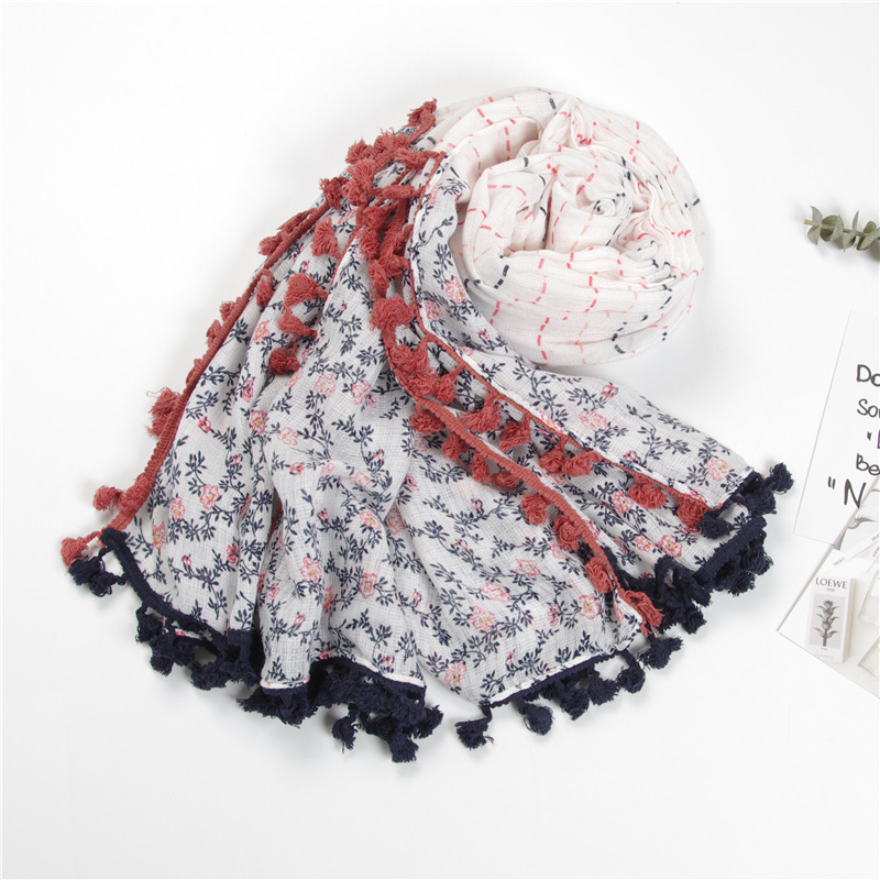 2018 fashions Korean scarves small fresh pink blue virtual lines intersections small flowers branches prints two large shawls.