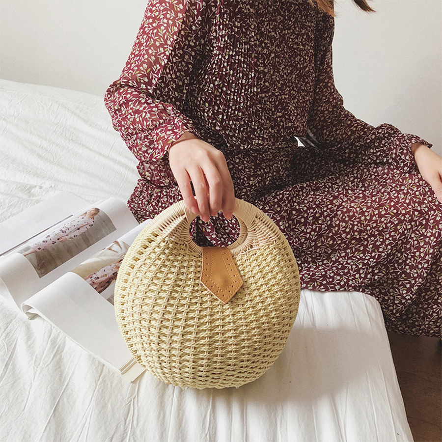 Circular Straw Bags Women Candy Color Shell Basket Women Tote Hollow Out Handmade Woven Beach Bags Vintage Females Handbags 2018Circular Straw Bags Women Candy Color Shell Basket Women Tote Hollow Out Handmade Woven Beach Bags Vintage Females Handbags 2018