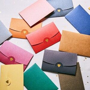 Image 3 - 50 шт./лот конверты из крафт бумаги в форме сердца, Европейский Винтажный бумажный конверт с горячим тиснением для свадебного приглашения