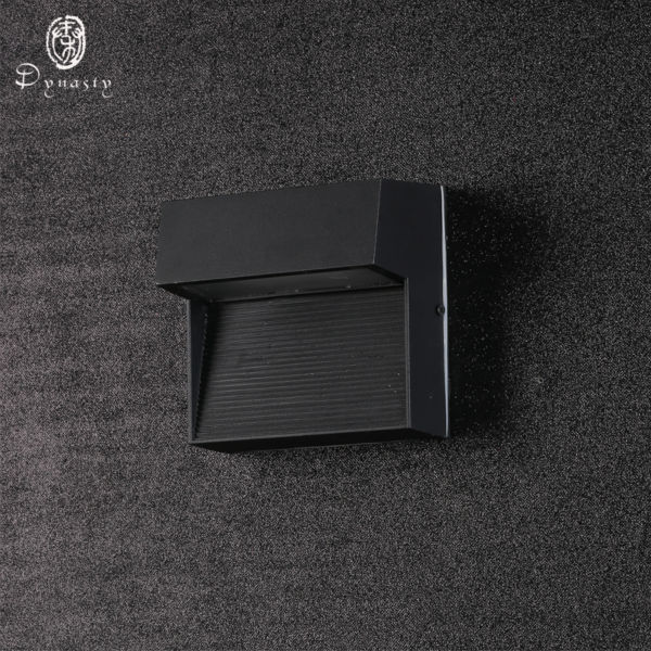 ФОТО WaterProof IP65 Aluminum Outdoor Wall Lamp Water Resistant Garn Villa Fence Porch Corridor Round& Square Wall Lights Sconce