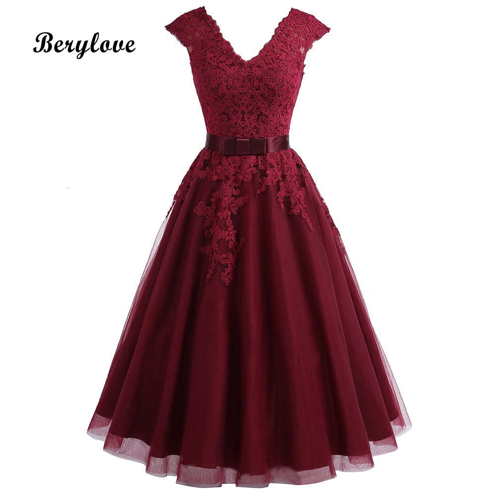 Cheap Tea Length Burgundy Homecoming Dress 2019 Short V Neck Lace Homecoming Dress With Sleeves Plus Graduation Dresses Gowns