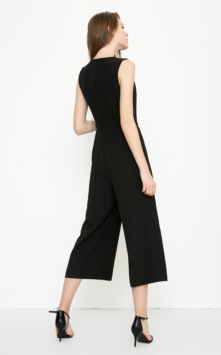 Vero Moda spring fashionable V-collar loose-leg cropped Jumpsuits for women |318144507 8
