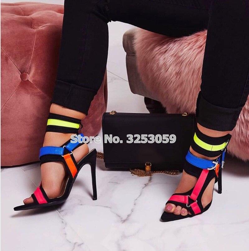 ALMUDENA nouvelle conception multi couleur mince à talons hauts sandales en métal décoration boucle sangle chaussures Cross Strappy pompes de mariage - 4