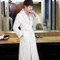 Nouvelle Amoureux de la Mode De Luxe Fourrure Douce comme de la Soie Flanelle Long Peignoir hommes Hiver Chaud Kimono Peignoir Robe de Chambre Hommes Mâle Robes