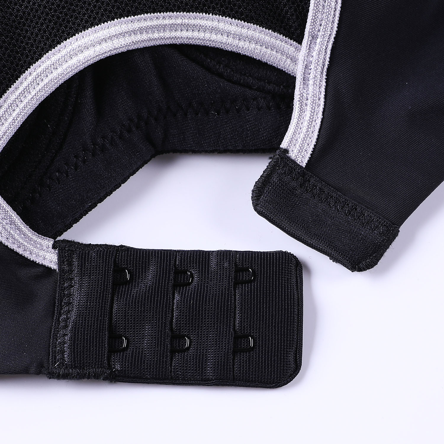 SYROKAN Women's Full Support Racerback Underwire Lightly Padded Sports Bra