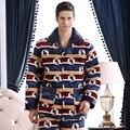 2016 Estilo de Primavera e Invierno Gruesa Caliente Pijamas de Franela Conjuntos de talla grande XXXL Vellón Ocio Hogar de manga larga los hombres la ropa de Dormir