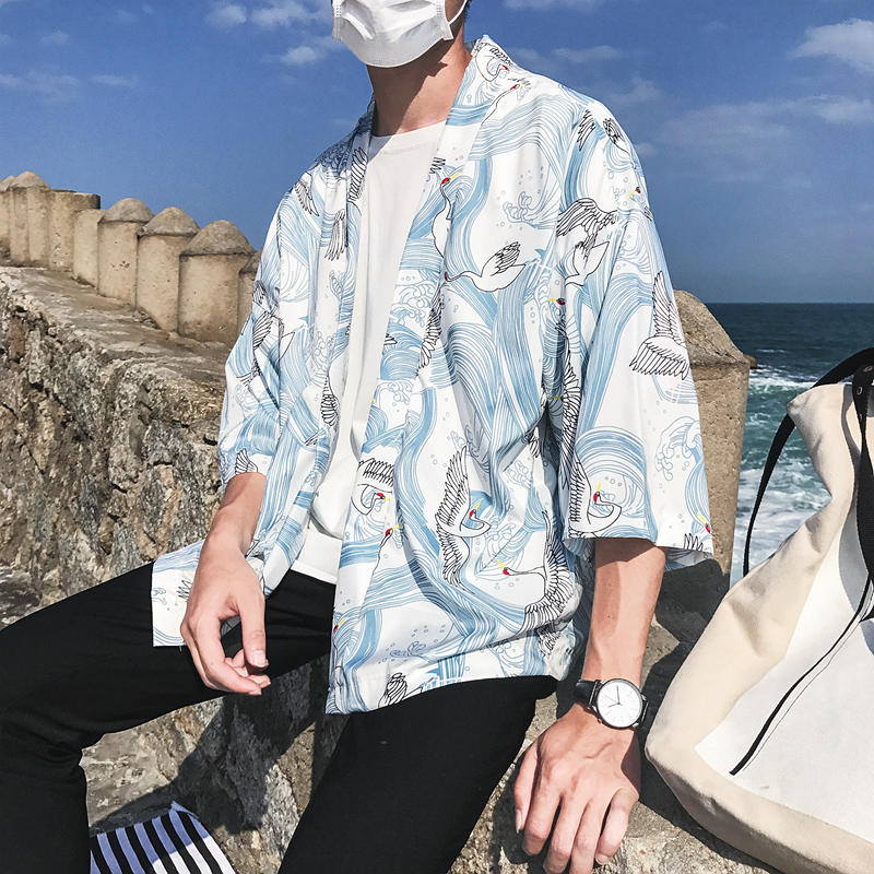 Grúa Ful impreso tres cuarto Kimono chaqueta hombres 2018 verano abierto Stitch Loose estilo japonés chaquetas hombres
