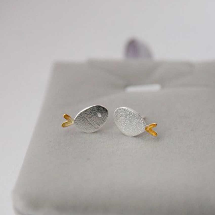 QIAMNI 925 Sterling Silver Adorável Peixe Cauda Amarela Brinco Do Parafuso Prisioneiro para As Mulheres Jóias Acessórios Meninas Presente de Natal Aniversário