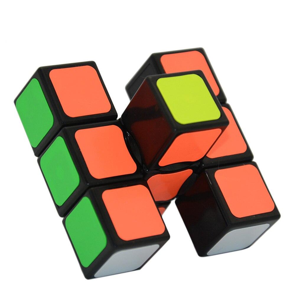 2017 Chegada Nova 1X3X3 Floppy Magic Cube Enigma Cérebro Teaser