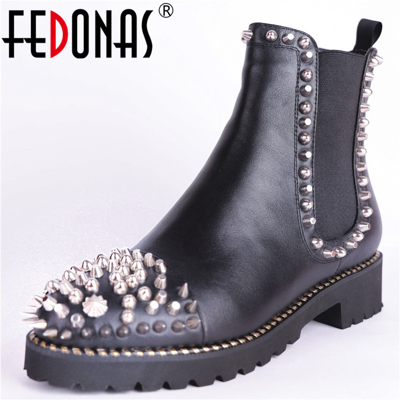 FEDONAS New Brand Women Rivets Motorcycle Boots High Heels Genuine Leather Short Basic Boots Winter New Snow Shoes Woman 2017 free genuine leather motorcycle boots biker shoes women pointed snow boots brand shoe famous designer woman flats