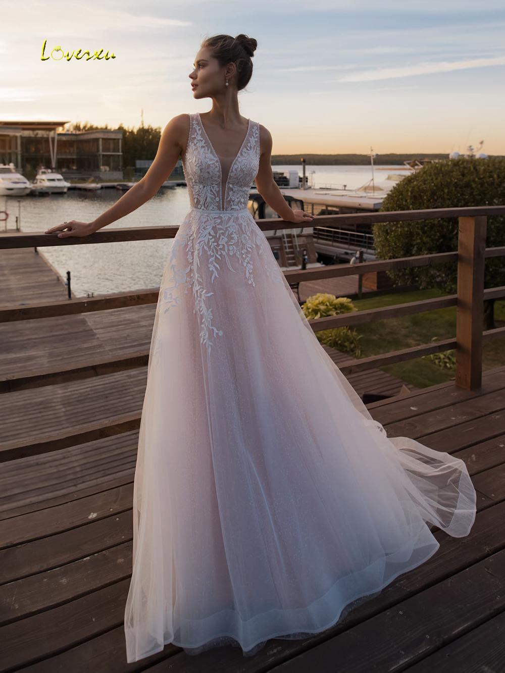 Loverxu Sexy Illusion V Neck Lace Beach Wedding Dresses 2019 Appliques Beaded Tank Sweep Train vintage Bridal Gowns Plus Size