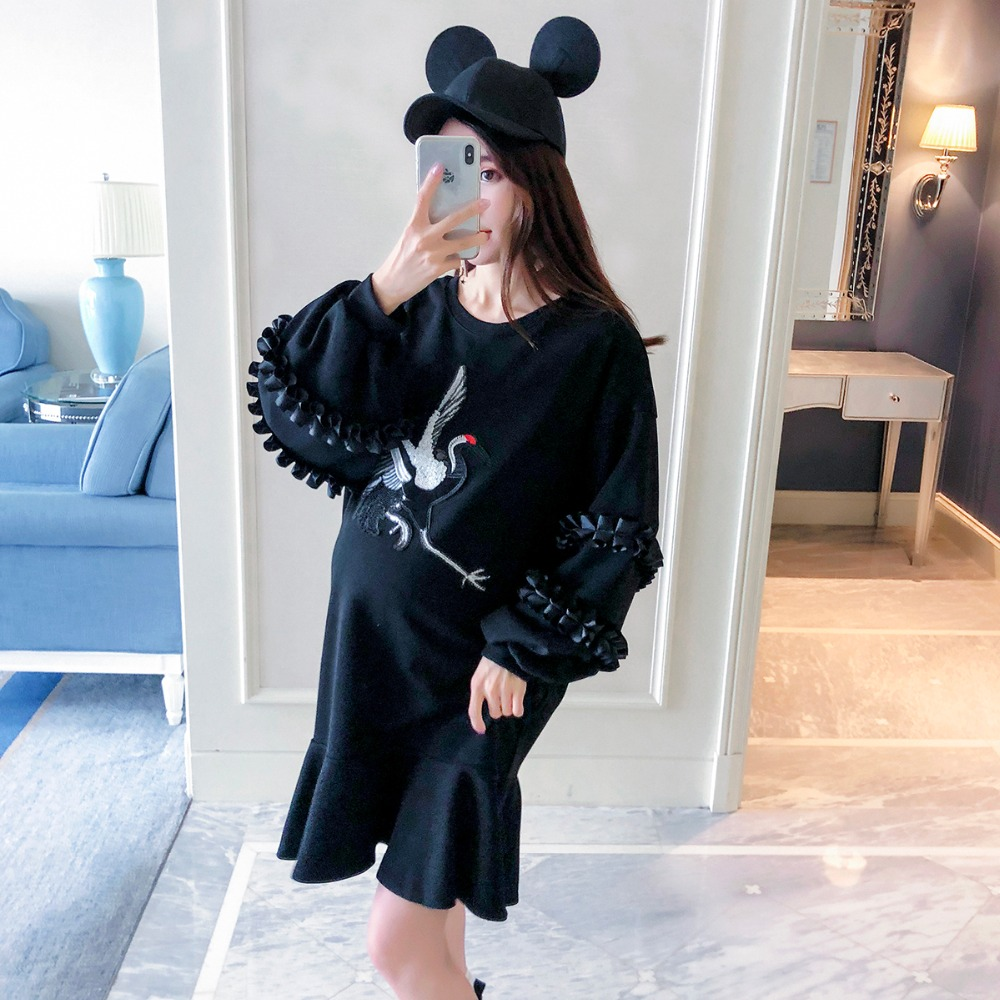 Pregnant women sweater autumn 2018 new fashion embroidery sequins maternity dress Korean version of the tide wood ear long shirt new the spring of 2018 women s clothing sequins lapel eagle decals gauze falbala vest dress