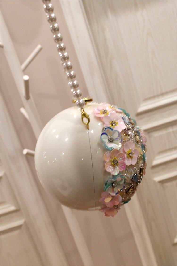 Nueva primavera 2009 Chaozhou niñas hecho a mano flor con incrustaciones de diamantes de un solo hombro inclinado a mano Bola de perlas bolsa redonda - 4