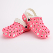 2017  authentic warrior hole slippers couple sandals mules and clogs garden shoes for women breathable beach shoes