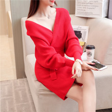 Female Sweater Dress 2018 Autumn and Winter Hot Style Midi V-Neck Kintted