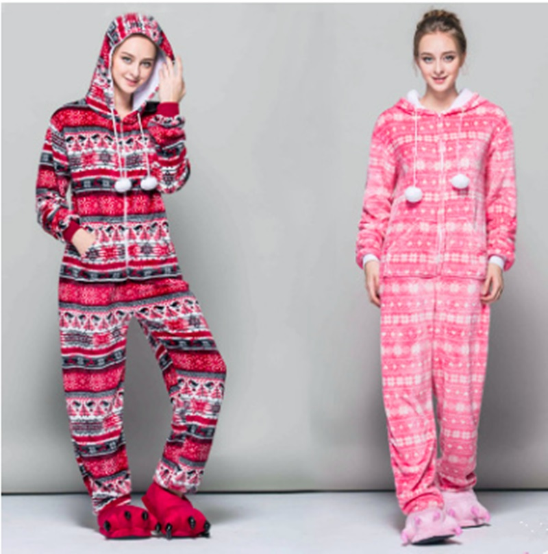 New product flannel cartoon animal serial pajamas home to suit the snowflake red bird.