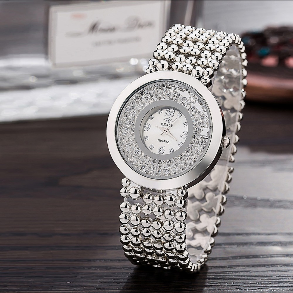 2019 Fashion Women Diamond Bling Watch Stainless Steel Analog Quartz Wristwatch New Designn Creative Lady Silver Watches