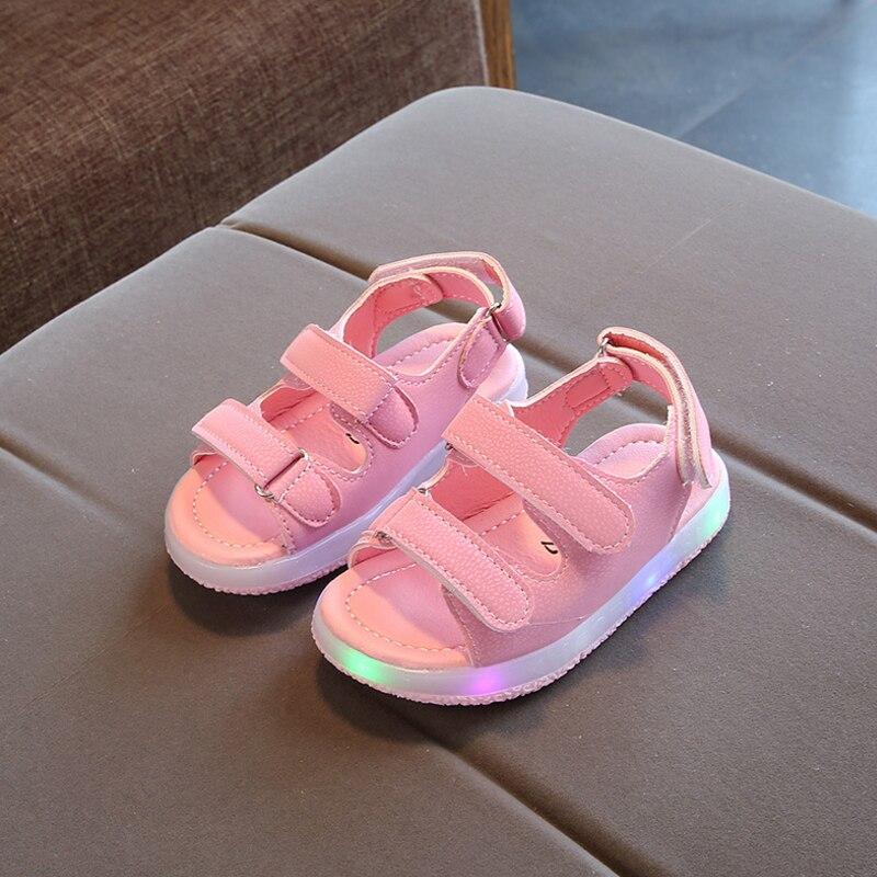 2018 New Summer Fashion Children Flash Sandals Soft Kids Luminous Antislip Beach Sandals LED Girls Boys Sandals