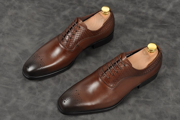 Men fashion handmade oxfords black grown pointed toe lace up low heel formal shoes Genuine leather party office shoes